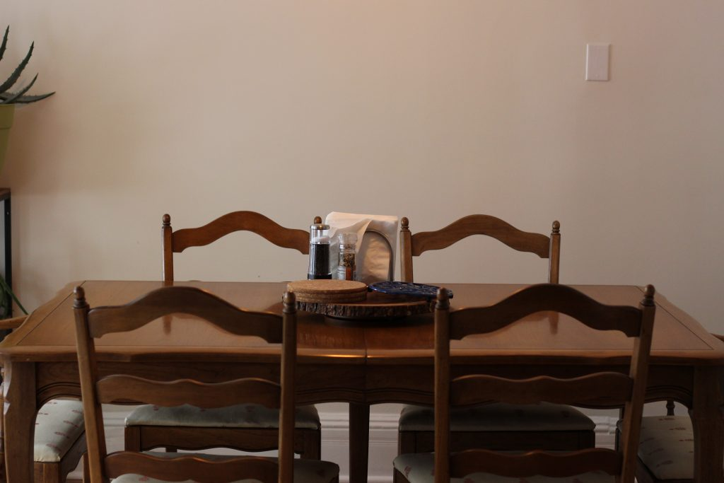 Secondhand dining room table